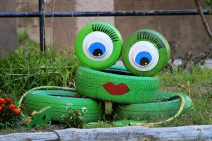 Adorable Ways to Incorporate Tires in Your Yard