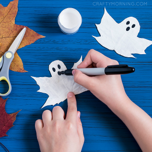 Turn Leaves into Ghosts (Kids Craft)